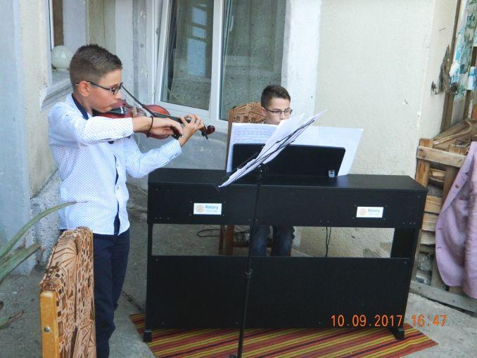 Actualitatea Spectacol de poezie si muzica Lugoj 003