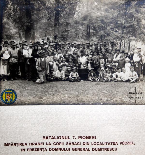 12-Armata-Romana-la-Budapesata-Gen-Dumitrescu-Hranind-copii-unguri-saraci-in-Peczel-Foto-Roncea-Ro-Ziaristi-Online-Arhivele-Nationale