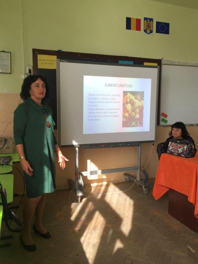 Actualitatea Ziua Mondiala a Alimentatiei la Liceul Tehnic Valeriu Braniste Lugoj 008