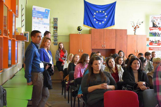 Actualitatea Ziua Mondiala a Alimentatiei la Liceul Tehnic Valeriu Braniste Lugoj 011