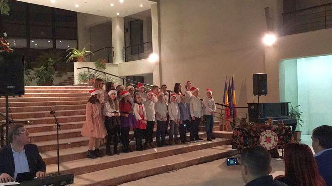 Actualitatea Serbarea de Crăciun a Liceului Teoretic Coriolan Brediceanu Lugoj 011