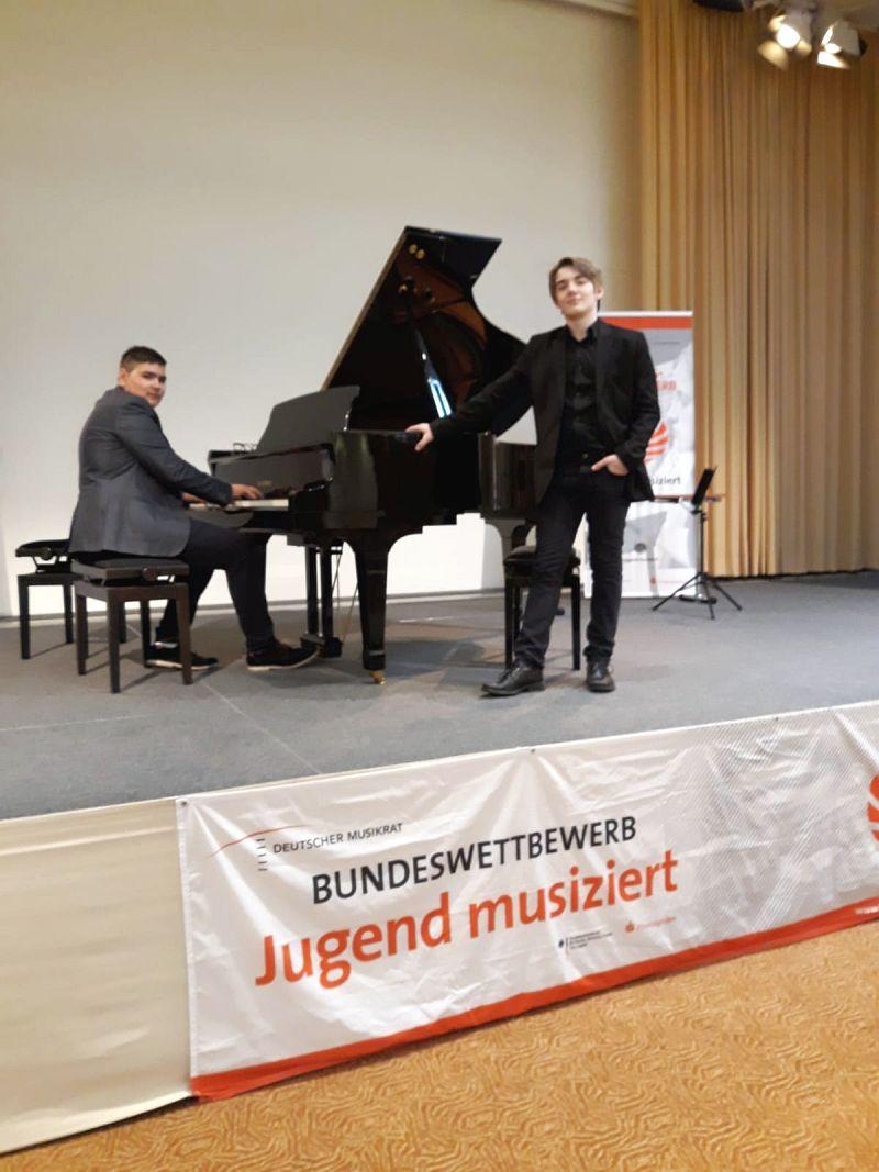 Actualitatea Premiul I in Germania pentru pianistul lugojean Filip Eduard Iacob Lugoj 002
