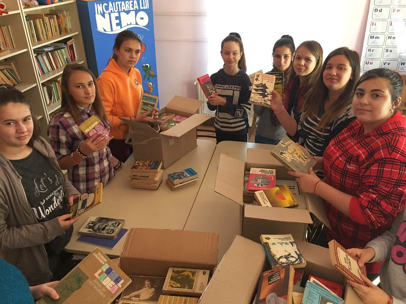 Actualitatea donatie carti scola balint Lugoj 001
