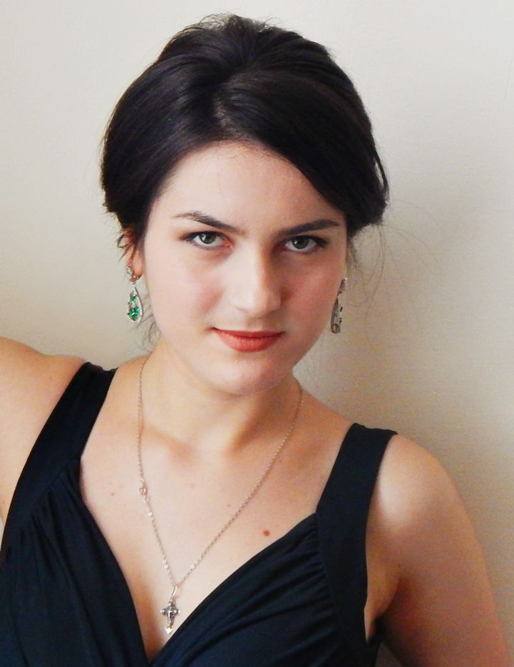 Virineia  PÎRNĂU  (Republica Moldova) soprană