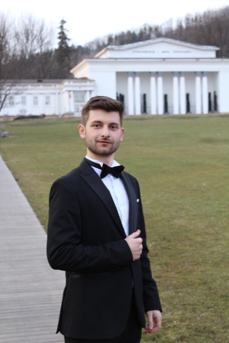 Aurelian-Mihai   FILIP bariton