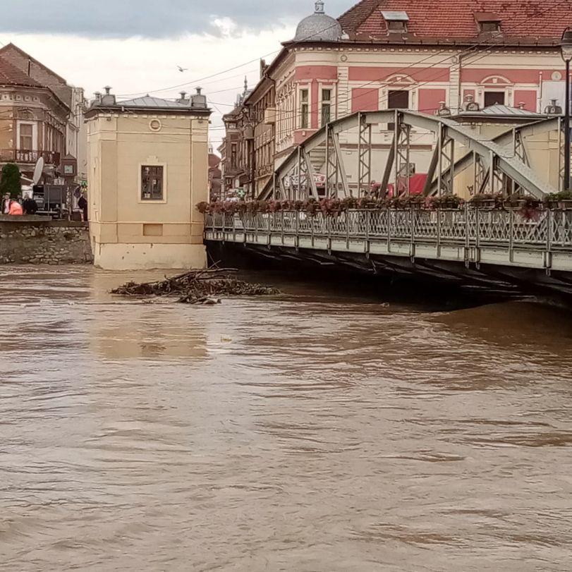 inundatii la podul de fier 2